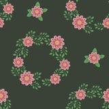 De color verde oscuro oscuro con el modelo inconsútil rosado de las flores, de las ramas, de las guirnaldas y de las hojas libre illustration