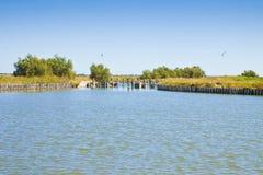 De Comacchio-valleien zijn wereldwijd gekend voor paling vissende - Unesco beschermde gebiedsferrara stad - Emilia Romagna - Ital stock foto