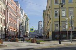 De combinatie verschillende stijlen van architectuur in Moskou Stock Afbeelding