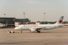 De commerciële vliegtuigen van Air Canada royalty-vrije stock foto
