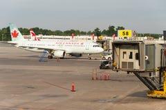 De commerciële vliegtuigen van Air Canada royalty-vrije stock fotografie