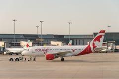 De commerciële vliegtuigen van Air Canada stock foto's