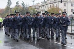 De commiezen marcheren op militaire parade royalty-vrije stock foto's