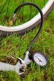 De compressor van de fiets en van de lucht Stock Afbeelding