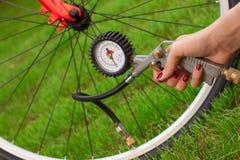 De compressor van de fiets en van de lucht Stock Fotografie