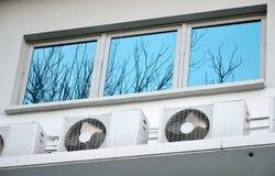 De compressor van het venster en van de lucht stock foto
