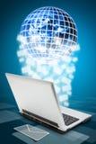 De computer die van het notitieboekje e-mail verzendt Stock Foto