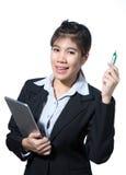 De computertablet van de bedrijfsvrouwenholding, het bedrijfsconcept denken succes royalty-vrije stock afbeelding