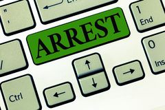 De conceptuele hand die tonend Arrestatie Bedrijfsfoto demonstratie grijpt iemand door wettelijke bevoegdheid en neemt hen in sch royalty-vrije stock foto