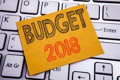 De conceptuele hand het schrijven inspiratie die van de teksttitel Begroting 2018 tonen Bedrijfsconcept voor Huishouden die boekh Royalty-vrije Stock Fotografie