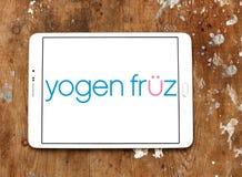 De concessieembleem van de Yogen fruz bevroren yoghurt royalty-vrije stock afbeelding