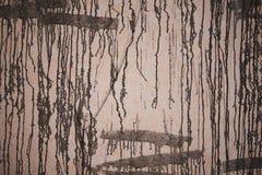 De concrete muur, met, schilderde zwarte verf, abstract patroon, achtergrond, textuur Royalty-vrije Stock Fotografie