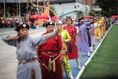 De concurrentie van vrouwenarcher in Naadam-festival Royalty-vrije Stock Foto's
