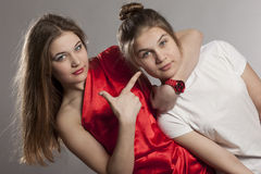 De confrontatie van tweelingenzusters Royalty-vrije Stock Fotografie