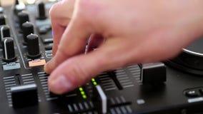 De console van DJ stock videobeelden