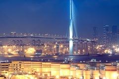De container en de brug van het gas Stock Afbeelding