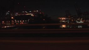 De Containerhaven van Hamburg bij nacht