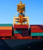 De containers van de kraan & van de lading Stock Afbeelding