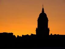 De contouren van de kathedraal bij zonsondergang in Malaga Spanje royalty-vrije stock foto