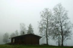 De contouren van gebouwen en bomen stock fotografie