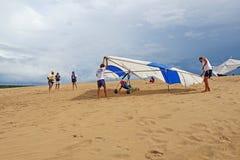 De controle van de deltavliegervlucht van zandduinen in Noord-Carolina royalty-vrije stock foto
