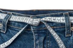De controle van de taille en het bovenmatige concept van de gewichtscontrole Stock Foto