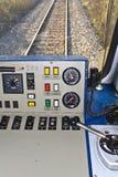 De controlekamer van de bestuurder van een trein Stock Foto
