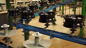 De conveorriem van gebeëindigde randen in de fabriek stock video