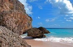 De corail plage de compartiment en bas, Barbade Photos libres de droits