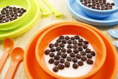 De cornflakes van de chocolade Stock Afbeeldingen