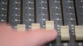 De correcte mixerconsole Het idee van het concept stock footage