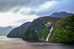 De Correcte Watervallen van Milford Stock Afbeeldingen
