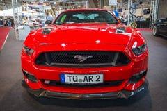 De coupé van Ford Mustang GT van de poneyauto fastback (zesde generatie), 2015 Stock Afbeeldingen