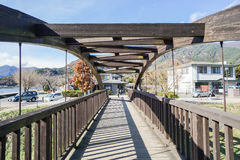 De creatieve bouw van de ontwerp houten die brug in Tokyo, Japan op 3 December 2016 wordt genomen Stock Afbeelding