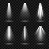 De creatieve vectorillustratie van heldere die verlichtingsschijnwerpers plaatste, lichtbronnen op transparante achtergrond worde stock illustratie