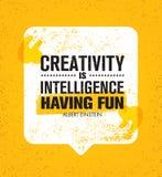 De creativiteit is intelligentie die pret hebben Inspirerend Creatief Motivatiecitaat Het vectorconcept van het de Bannerontwerp  Stock Afbeeldingen