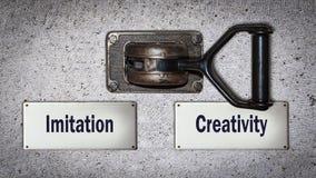 De Creativiteit van de muurschakelaar tegenover Imitatie vector illustratie