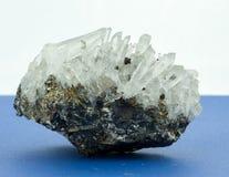 De cristaux d'élevage pierre de l'oi f petite Images stock
