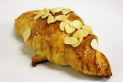 De croissanten van de amandel op een witte achtergrond. Royalty-vrije Stock Afbeelding