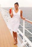 De cruise van de meisjescocktail Stock Afbeelding