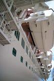 De cruise verscheept op zee Royalty-vrije Stock Foto's
