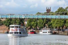 Boten. De cruises van de rivier. Chester. Engeland stock foto
