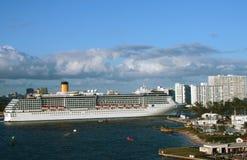 De cruiseschip van de luxe Stock Foto's