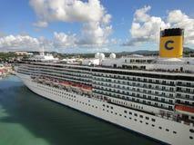 De cruiseschip van Mediterranea van Costa Stock Afbeeldingen
