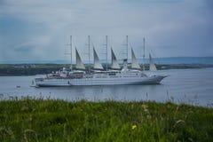De Cruiseschip van de windbranding Royalty-vrije Stock Foto's