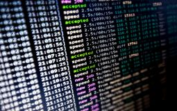 De Cryptocurrency-Mijnbouwnieuwigheid: een Software van Cryptocoin Minining op het Werk royalty-vrije stock foto's