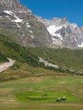 De cursus van het golf op bergen Stock Afbeeldingen