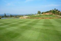 De Cursus van het golf op een zonnige dag Royalty-vrije Stock Afbeeldingen