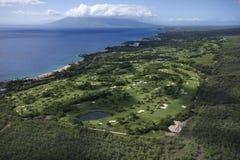 De cursus van het golf op Maui. stock afbeeldingen