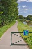 De cyclusroute en teken van Voiesverte in Bourgondië Stock Foto